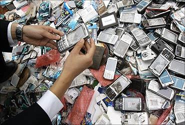 fake mobile phones