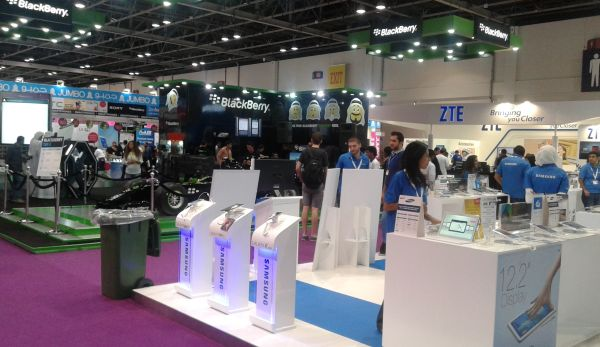 blackberry samsung zte Gitex shoppers 2014