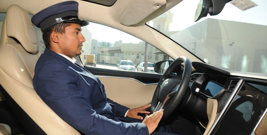 rent driver in dubai